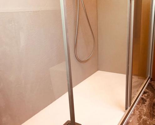 Piatto e box doccia Arblu per Idroservice Ferrara